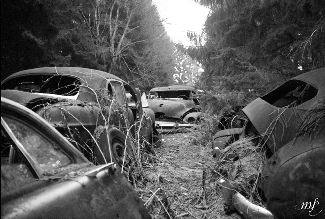 They said it's an Opel (Car cemetery Châtillon)