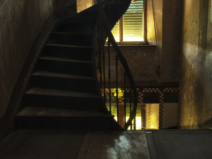 Lights and stairs (Maison Heinen)