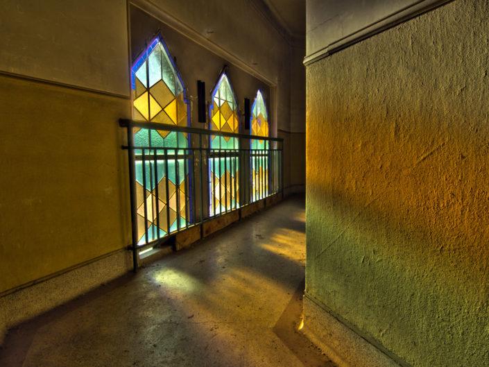 Walk the corridor (Le pensionnat)