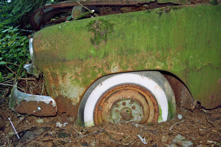 White sidewall tire (Car cemetery Châtillon)